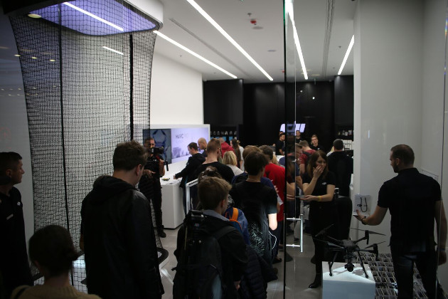 DJI salon