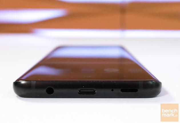 Samsung Galaxy S9+ dolna krawędź
