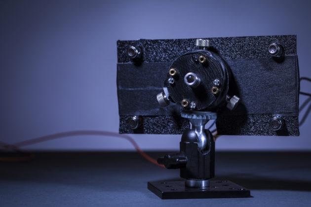 Laserowe ładowanie emiter