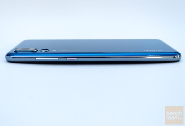Huawei P20 widok z boku