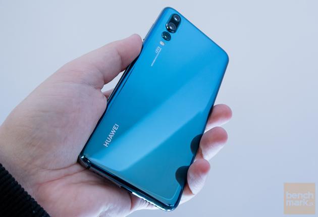 Huawei P20 Pro dłoń tylna ścianka