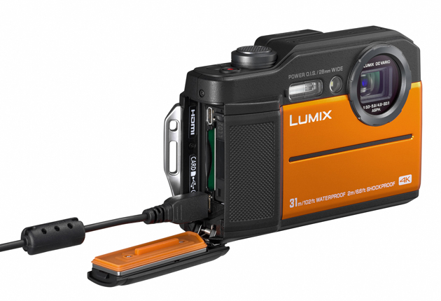 Panasonic Lumix FT7 złącza