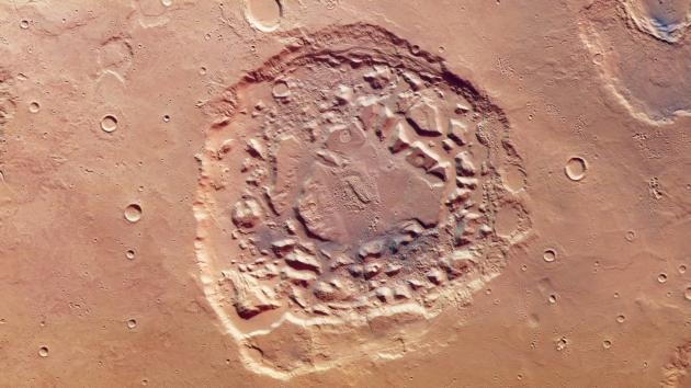 Mars Express krater Ismenia Patera