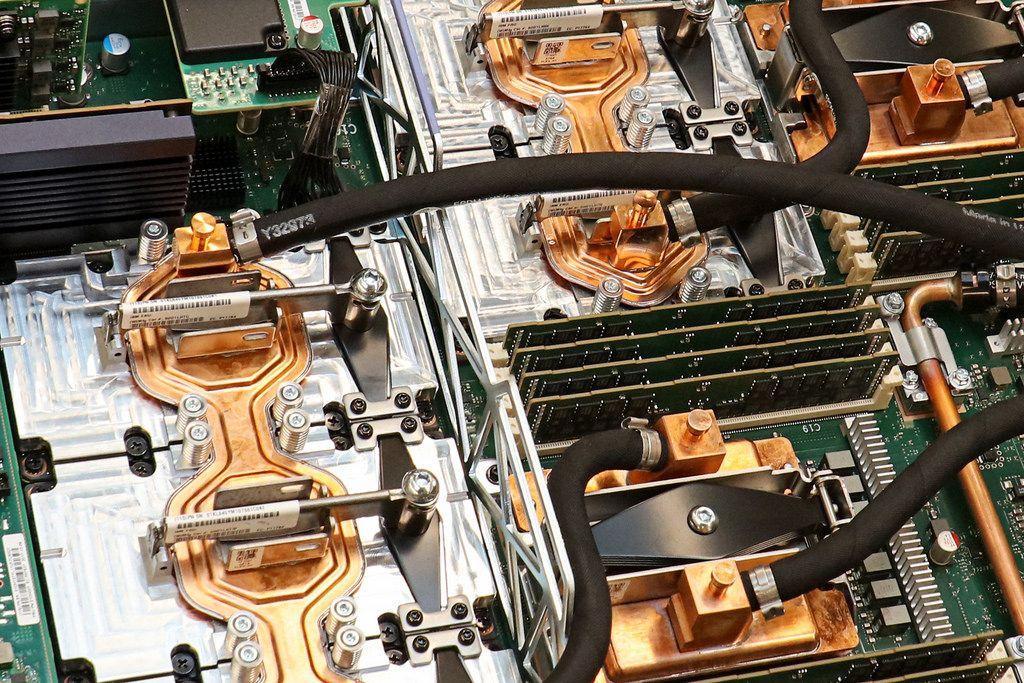 Summit - superkomputer w środku