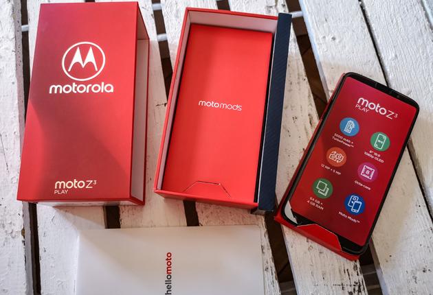 Moto Z3 Play pudełko 1