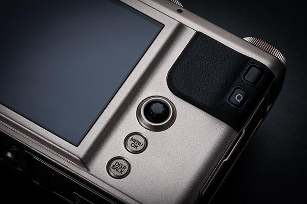 Fujifilm XF10 dżojstik