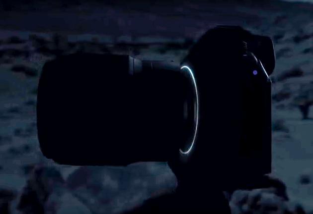 Nikon bezlusterkowiec sylwetka