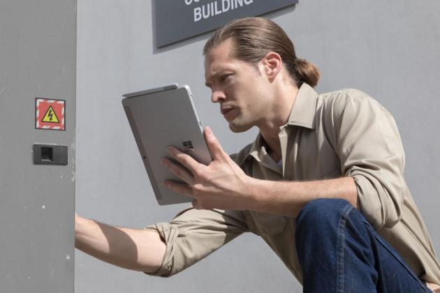 Microsoft Surface Go praca