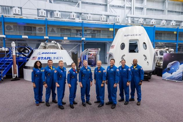 Astronauci kandydaci do komercyjnego lotu załogowego na ISS