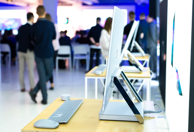 Microsoft Surface Studio 2 bok