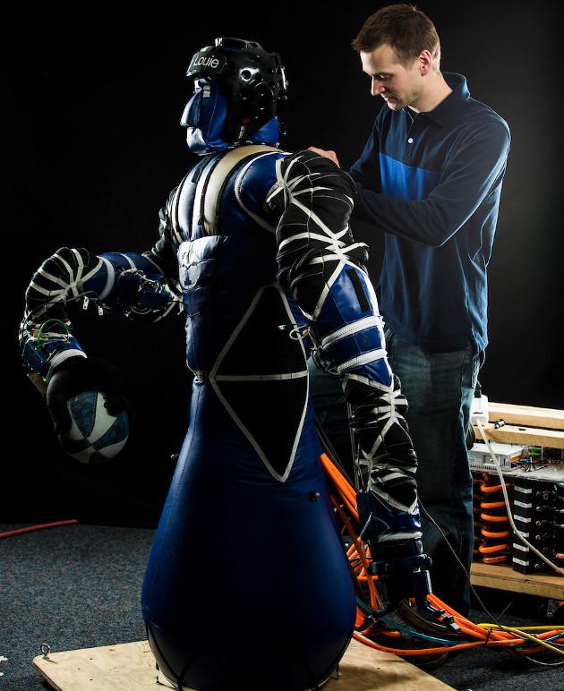 Louie robot