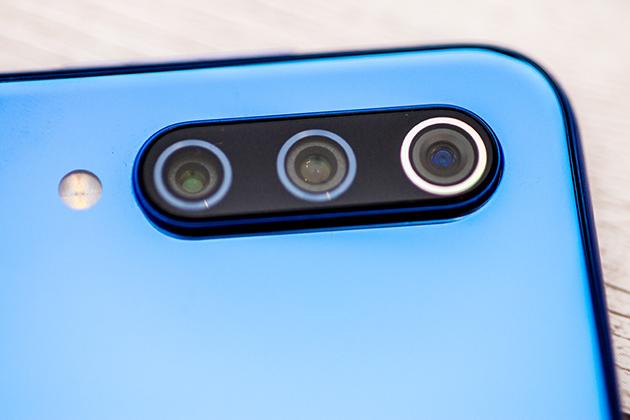 Xiaomi Mi 9 SE aparaty