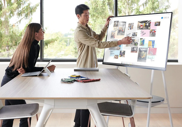 Microsoft Surface Hub 2S 2