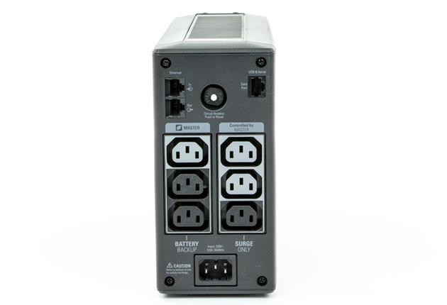 APC Back-UPS Pro 550 widok od tyłu
