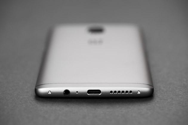 OnePlus 3T - dolna krawędź