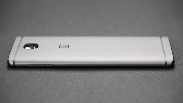 OnePlus 3T - prawy bok