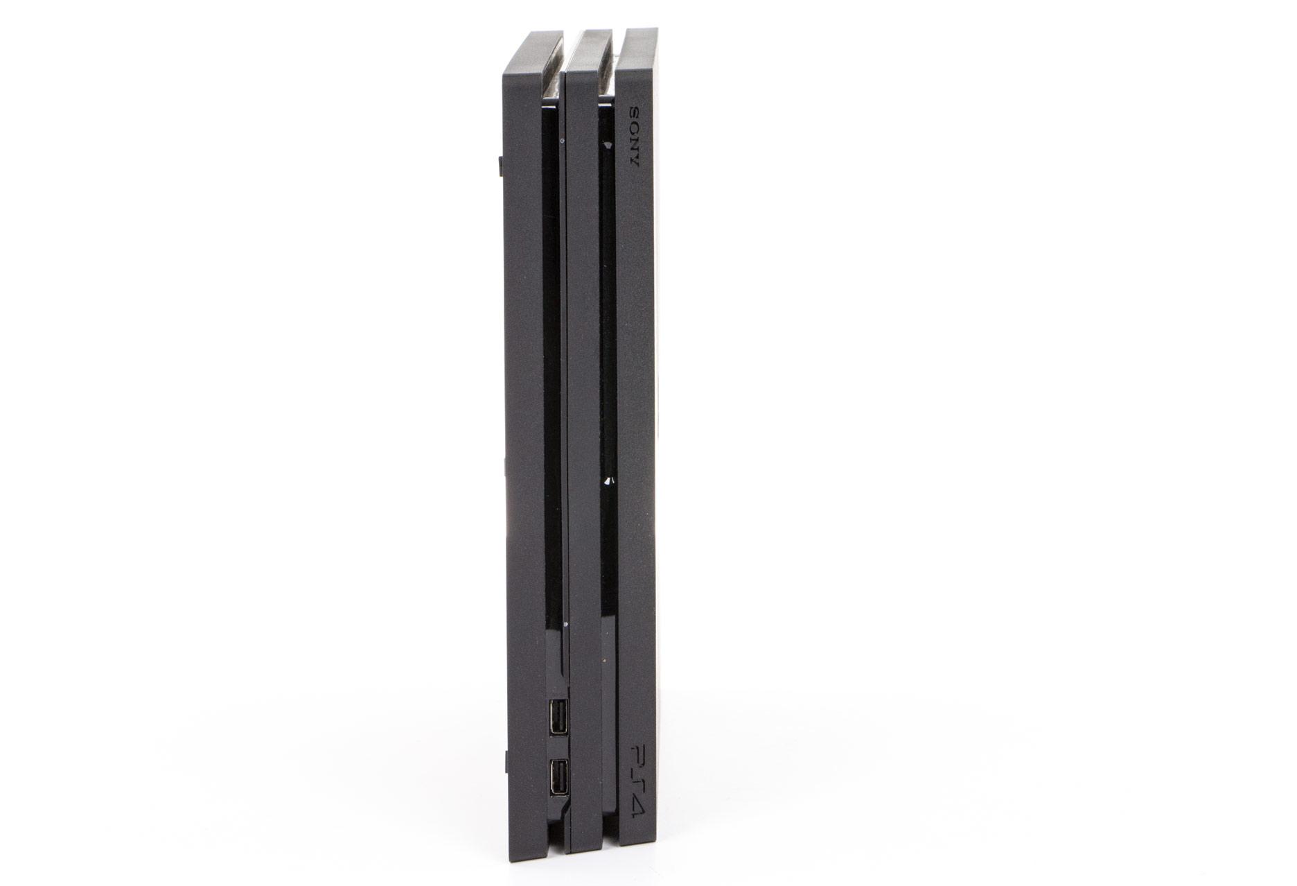 Playstation 4 Pro - trójżebrowa budowa