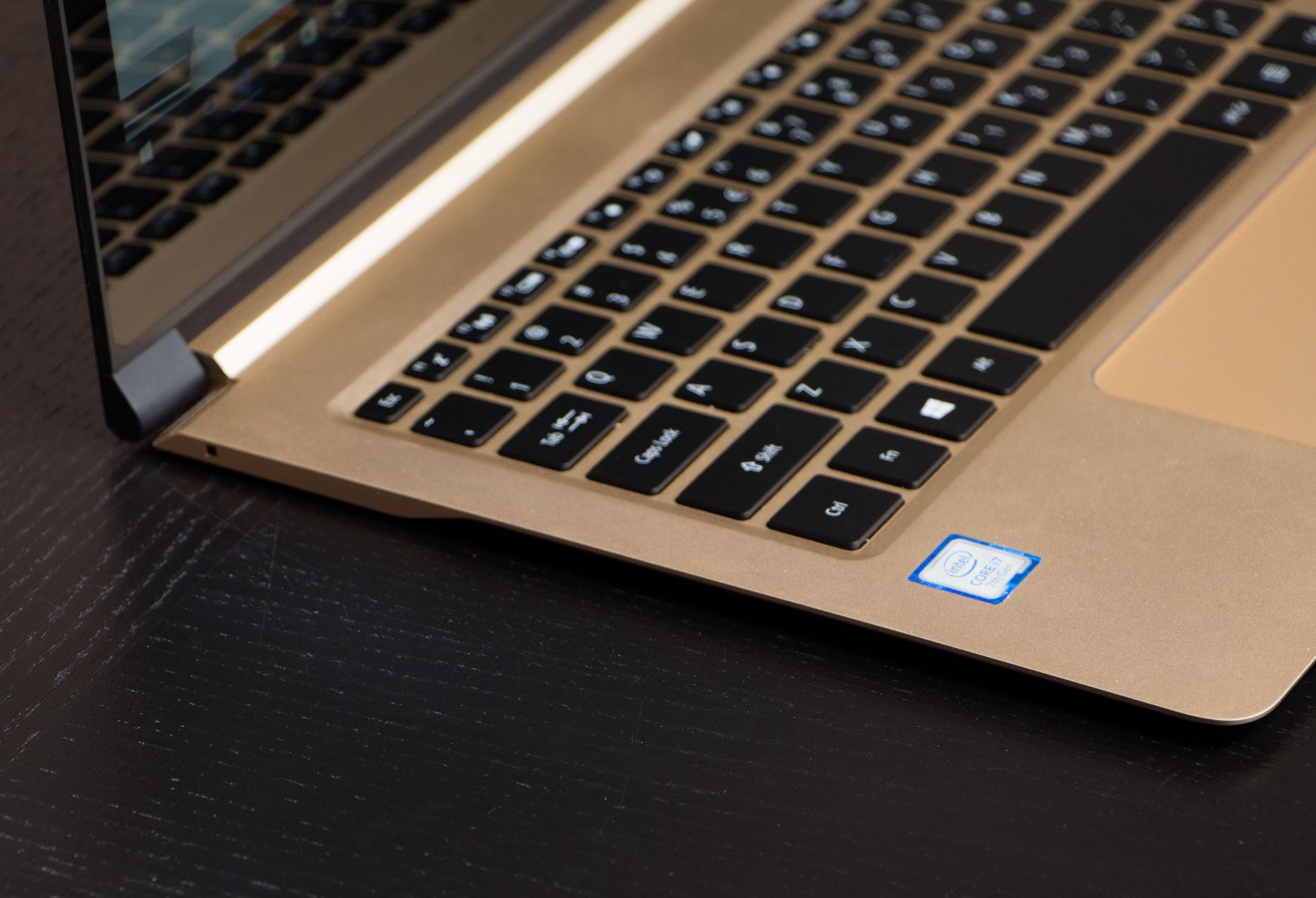 Acer Swift 7 lewy bok
