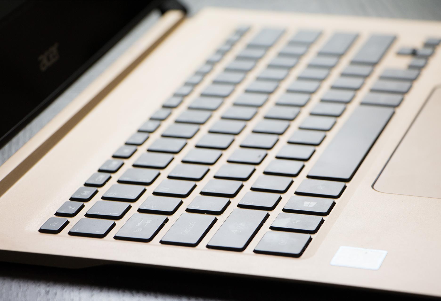 Acer Swift 7 klawiatura