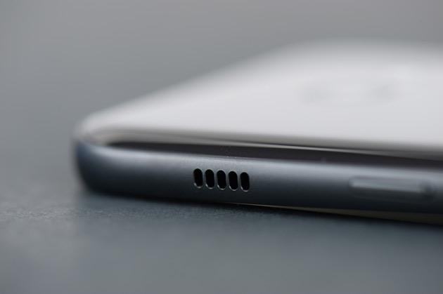 Samsung Galaxy A3 2017 - głośnik