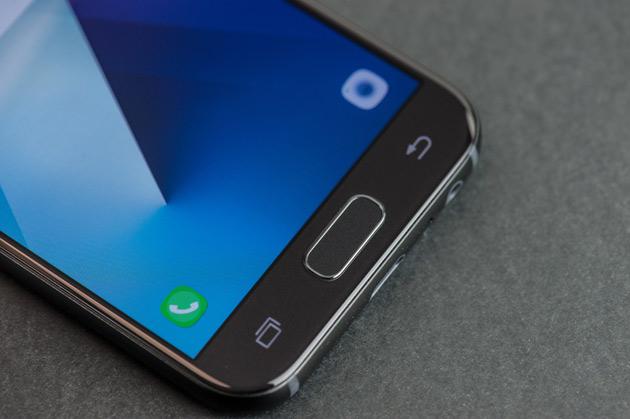 Samsung Galaxy A3 2017 - przyciski pod wyświetlaczem