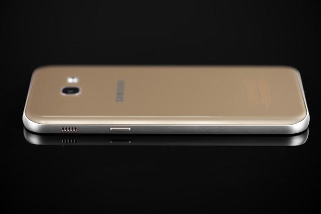 Samsung Galaxy A5 2017 - prawy bok