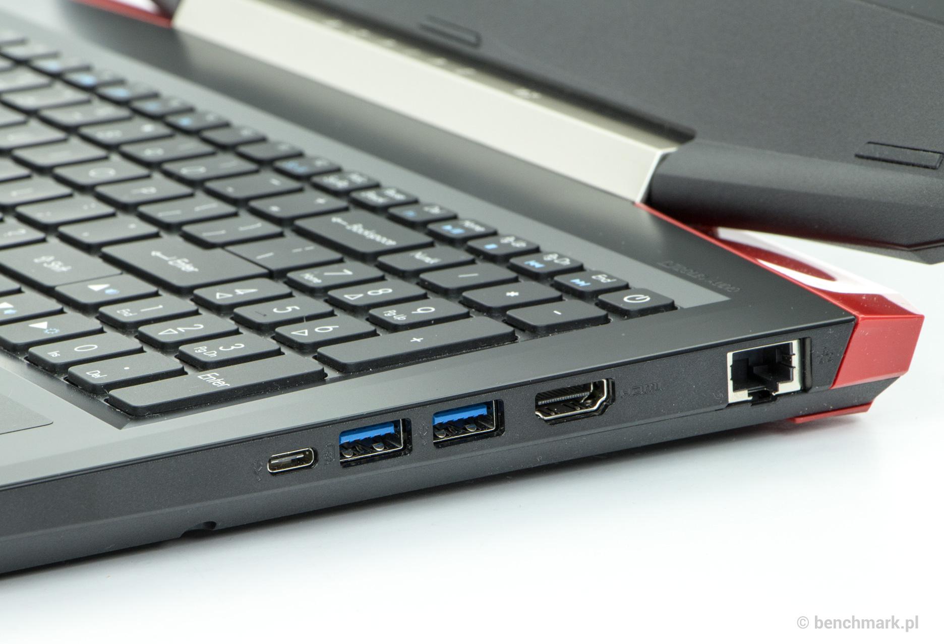 Acer Aspire VX 15 prawy bok