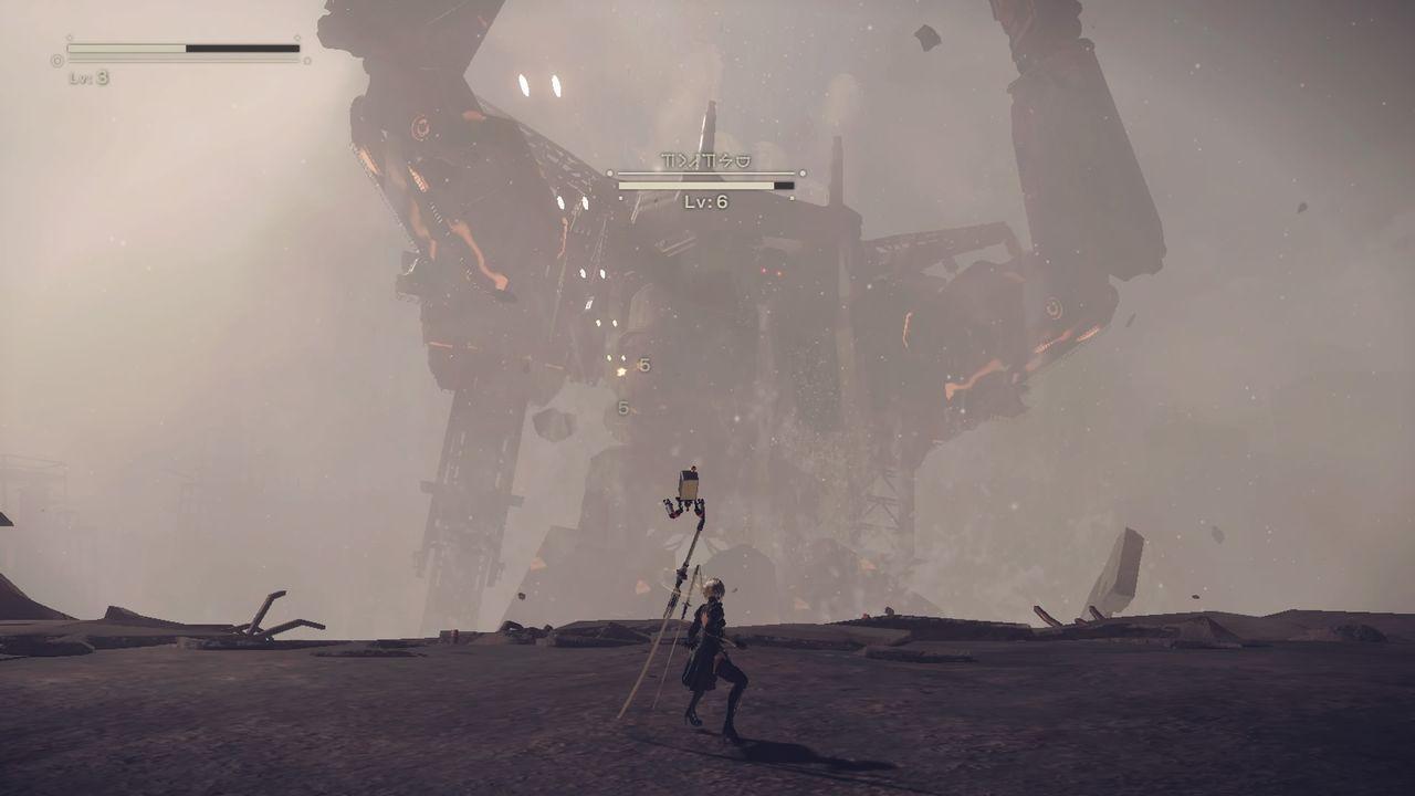 Nier: Automata - walka z olbrzymim robotem