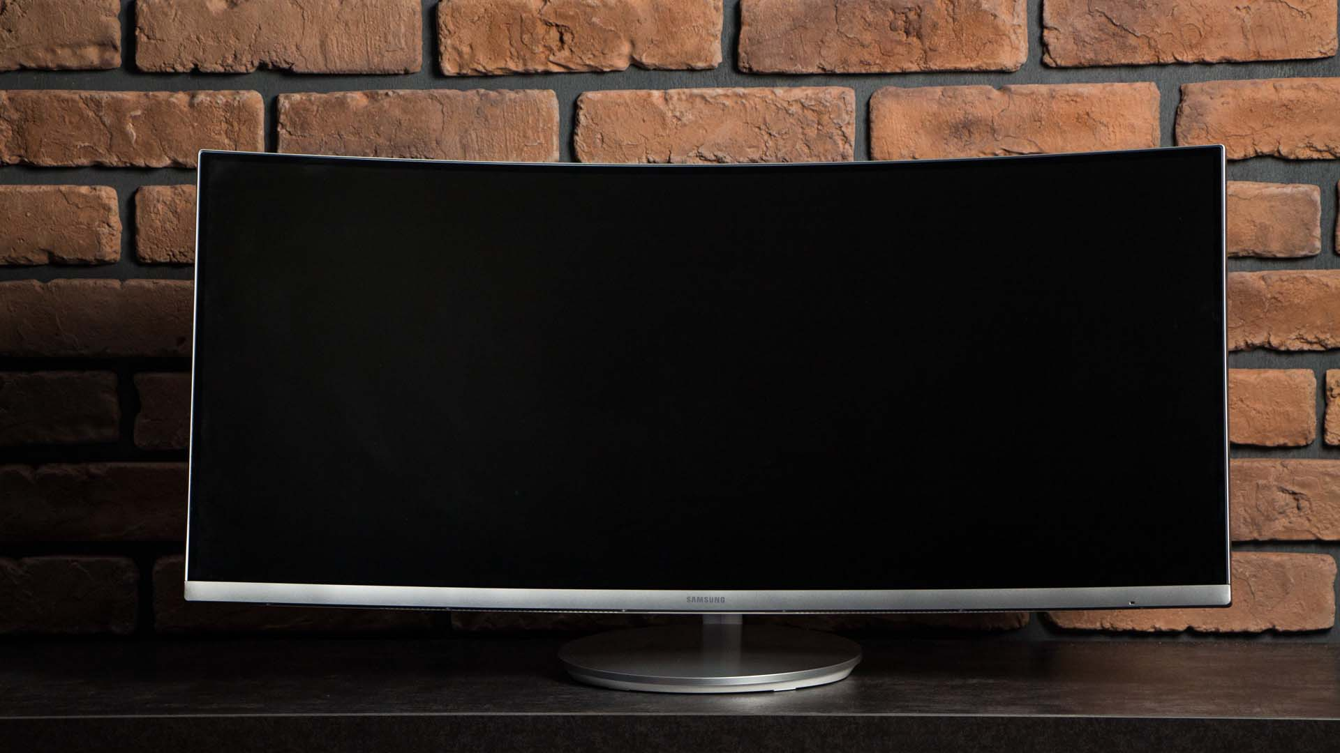 Samsung Curved C34F791 przód