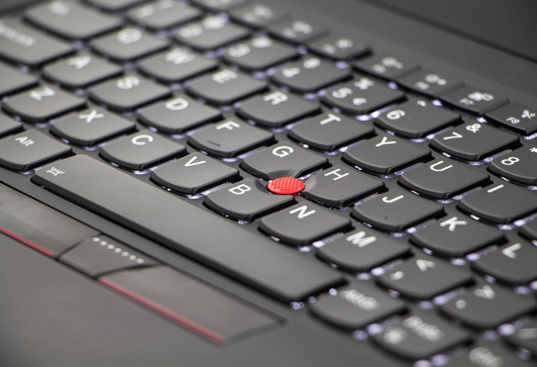 Lenovo ThinkPad X1 Carbon 5 trackpoint