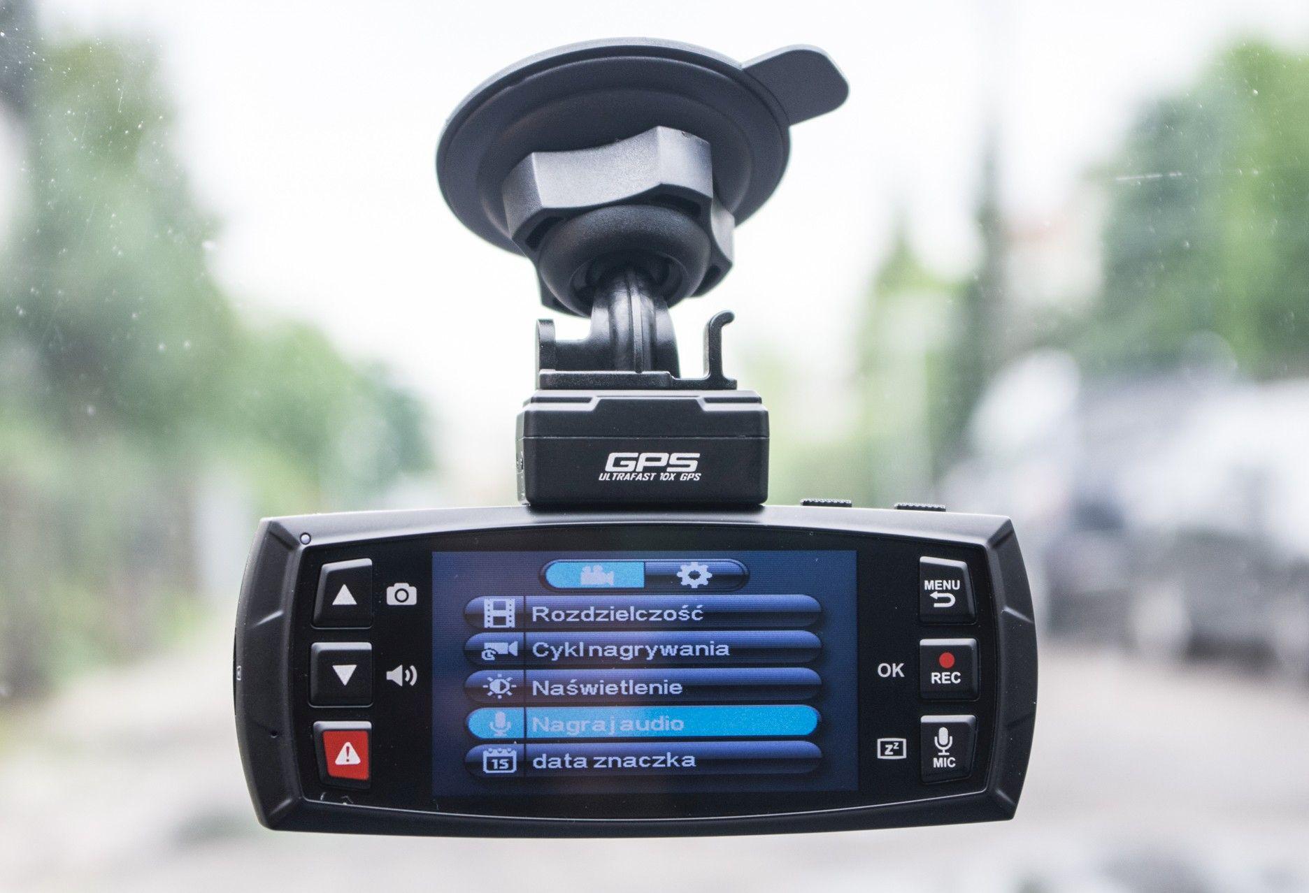DOD LS470W GPS w samochodzie
