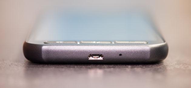 Samsung Galaxy Xcover 4 złącze USB