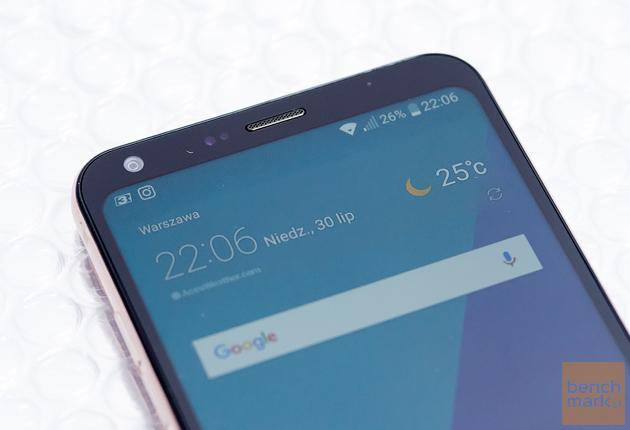 LG Q6 ekran pod kątem