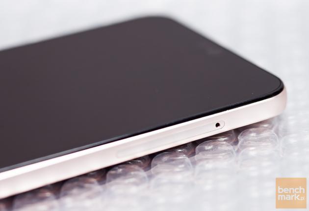 LG Q6 slot microSD nanoSIM