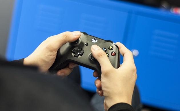 Xbox One X - gamepad