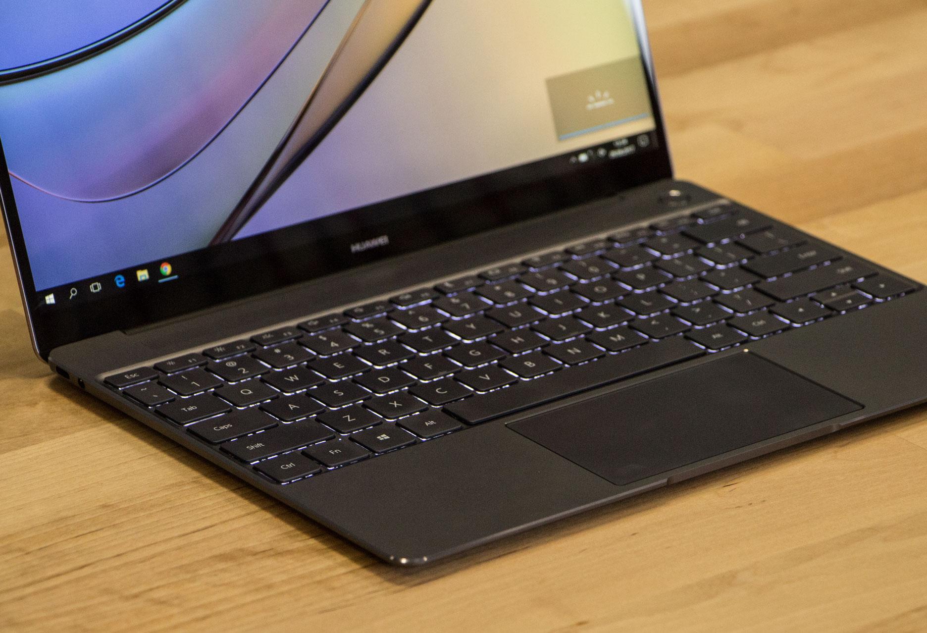 Huawei MateBook X podświetlana klawiatura