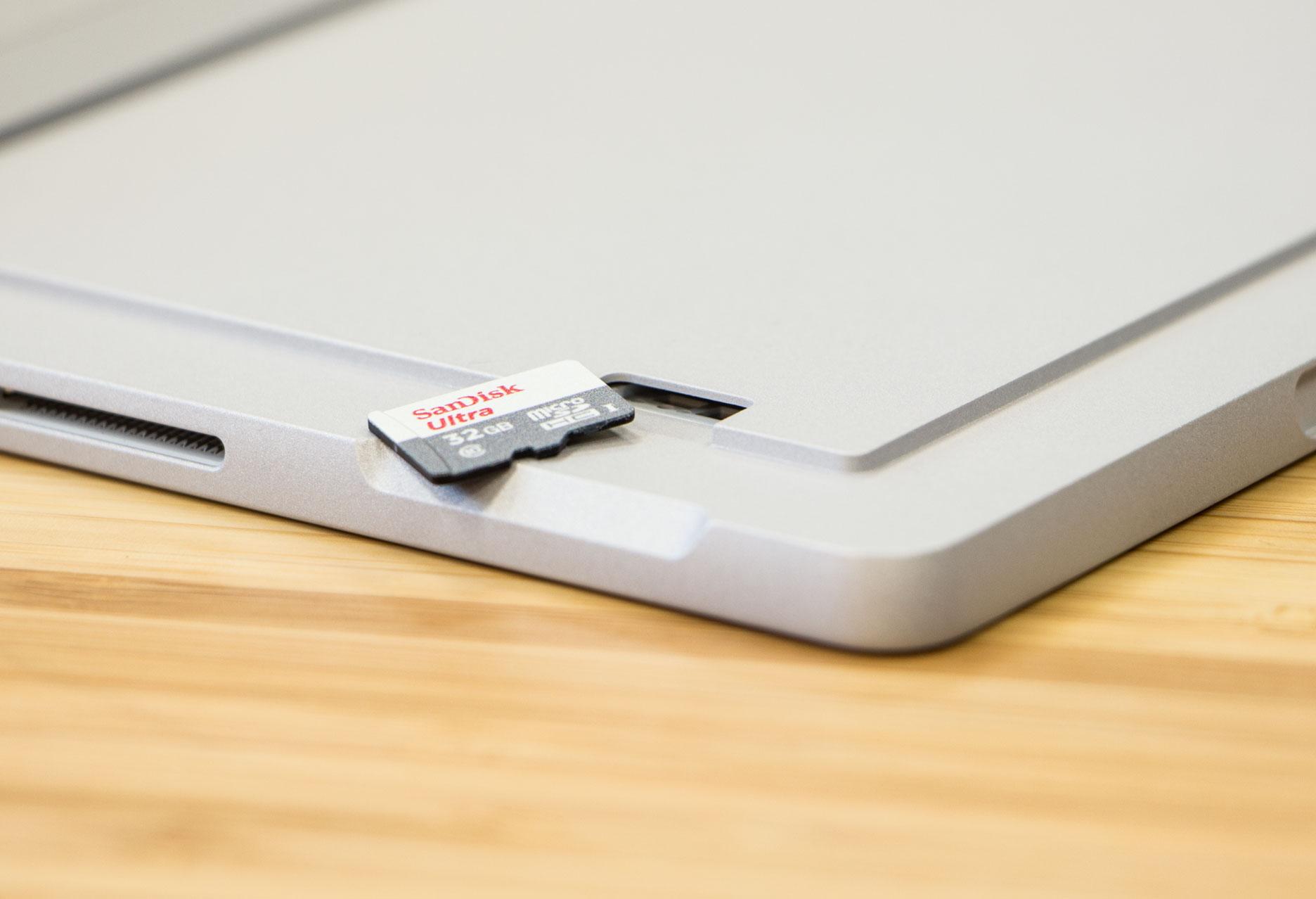 Microsoft Surface Pro czytnik kart pamięci