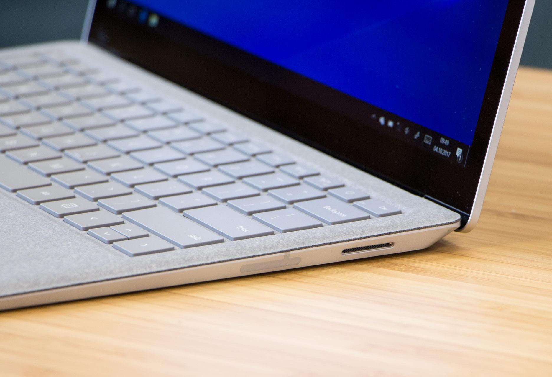Microsoft Surface Laptop prawy bok