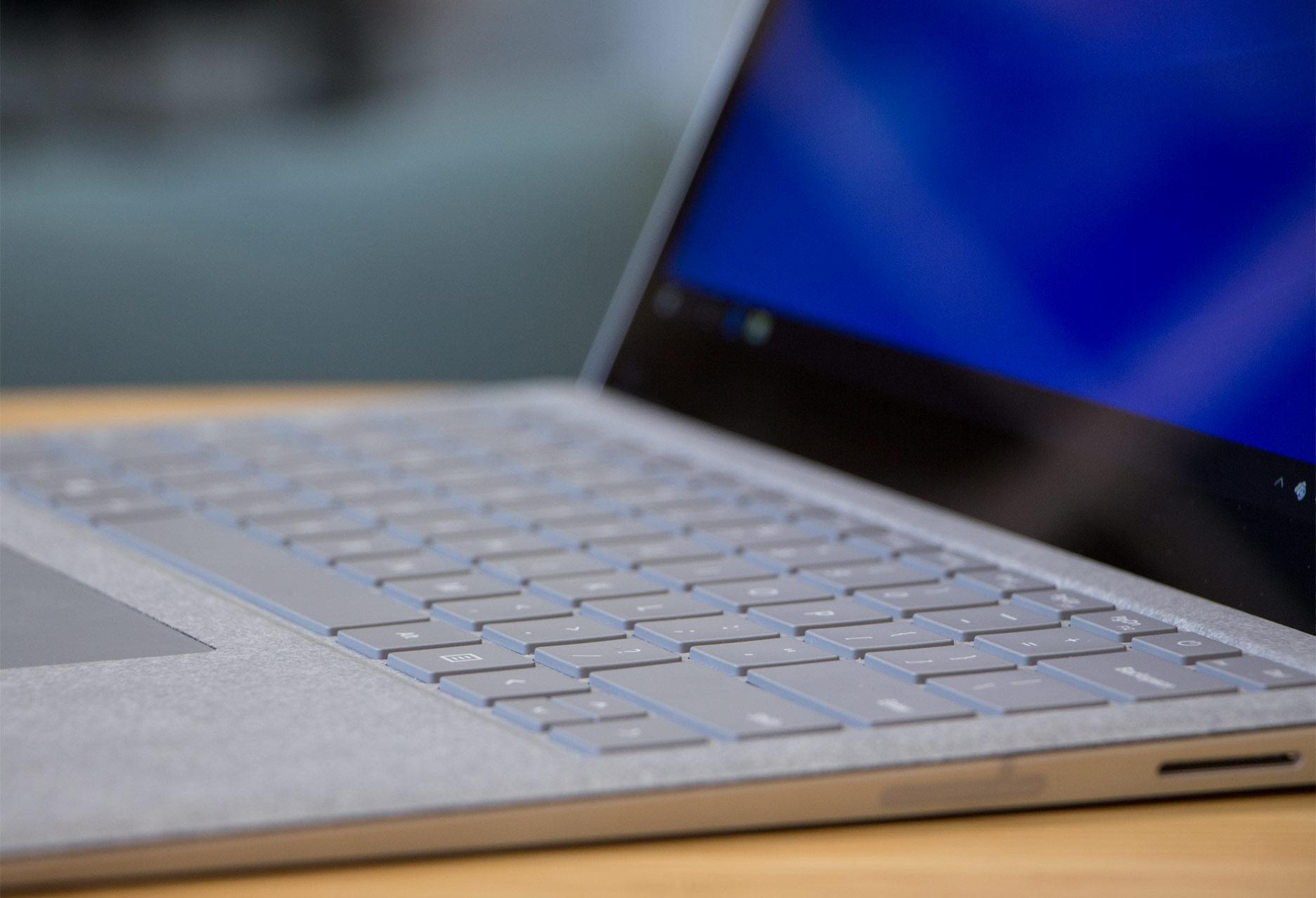 Microsoft Surface Laptop klawiatura