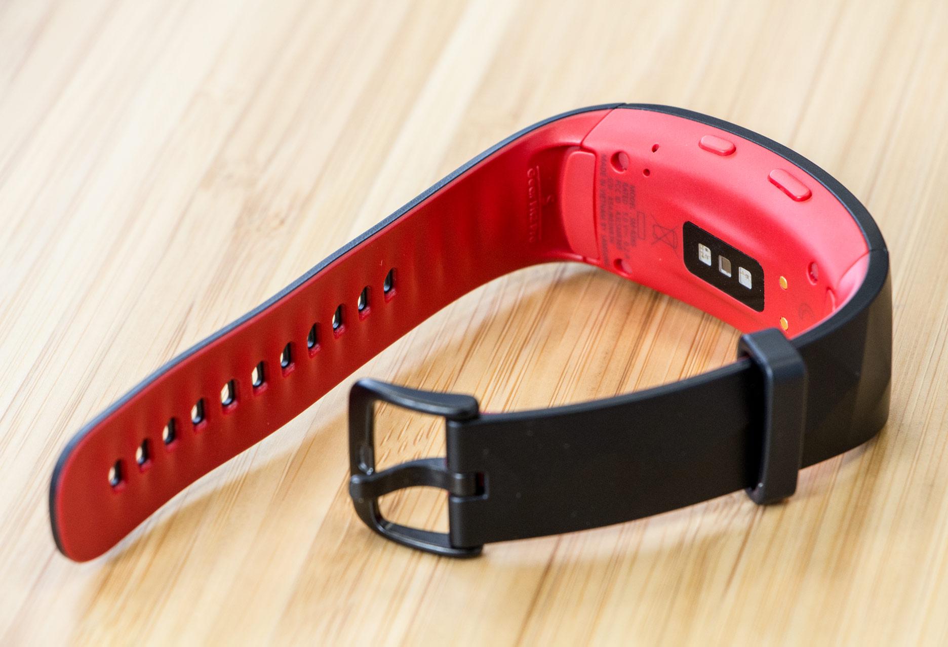 Samsung Gear Fit2 Pro pulsometr