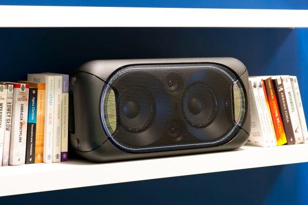Sony GTK-XB60 na półce