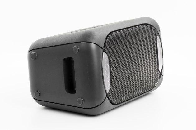 Sony GTK-XB60 pod kątem