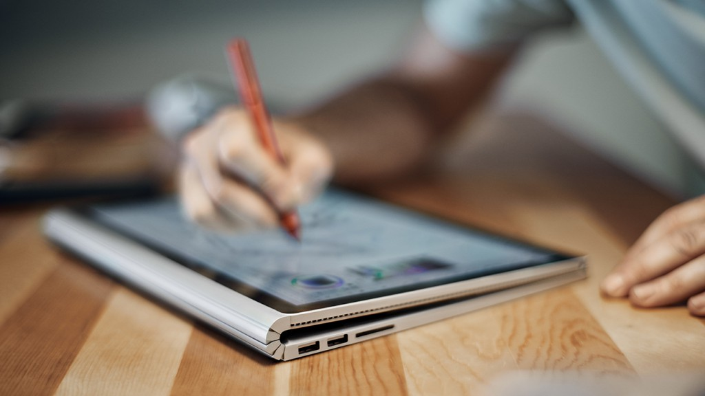 Microsoft Surface Book 2 tryb studio