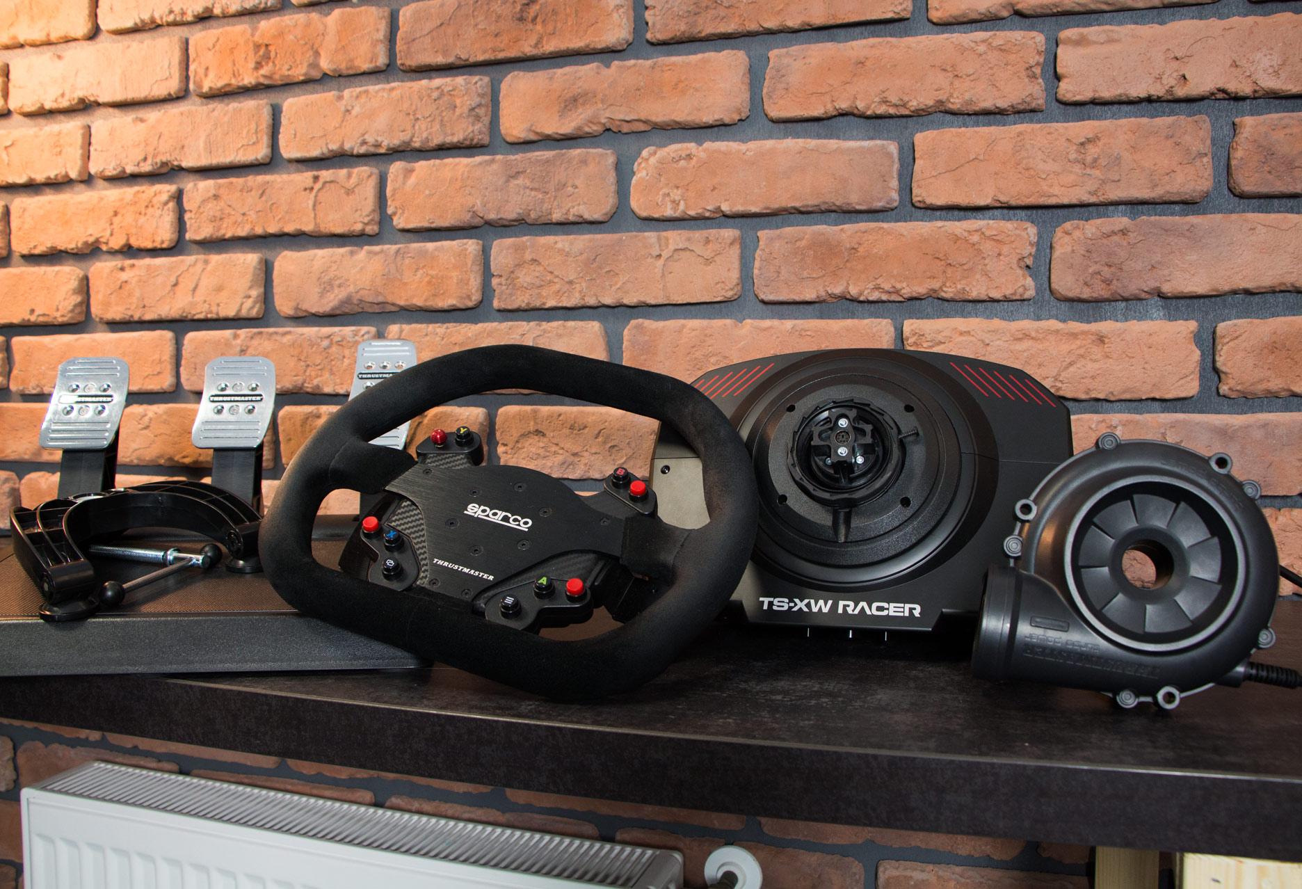 Thrustmaster TS-XW Racer Sparco P310 Competition Mod - wszystkie elementy zestawu
