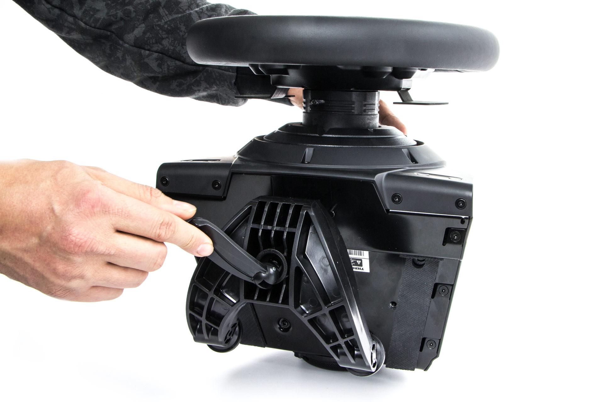 Thrustmaster T-GT - porządnie wykonane mocowanie do blatu stołu lub biurka