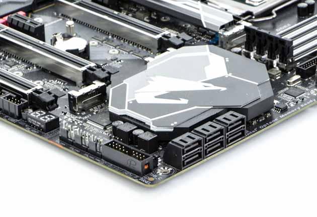 Gigabyte Z370Aorus Gaming 7 - porty SATA III