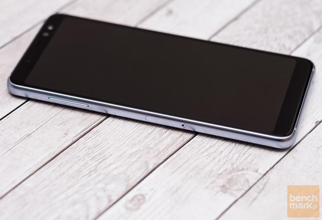 Samsung Galaxy A8 (2018) krawędź