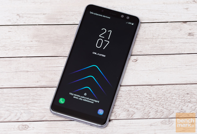 Samsung Galaxy A8 (2018) ekran startowy