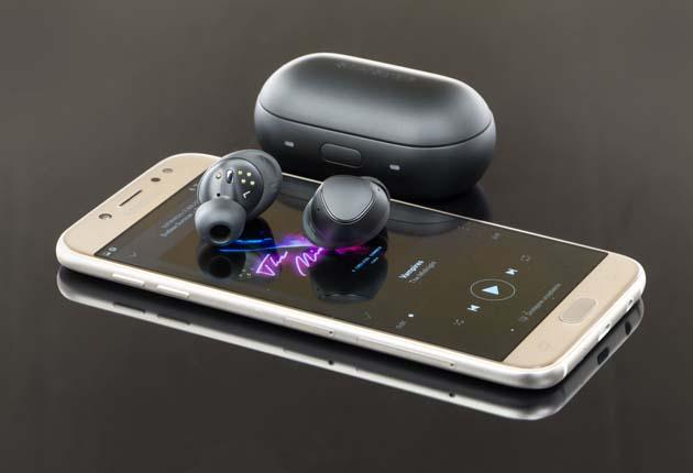 Samsung Gear IconX 2018 - sportowe słuchawki z Bluetooth i mikrofonem