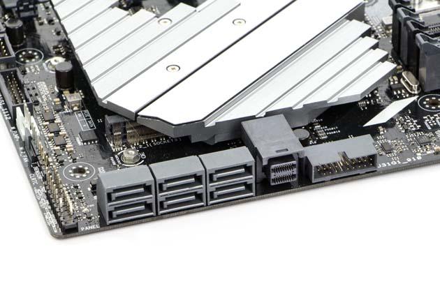 ASUS Prime X399-A - porty SATA i U.2